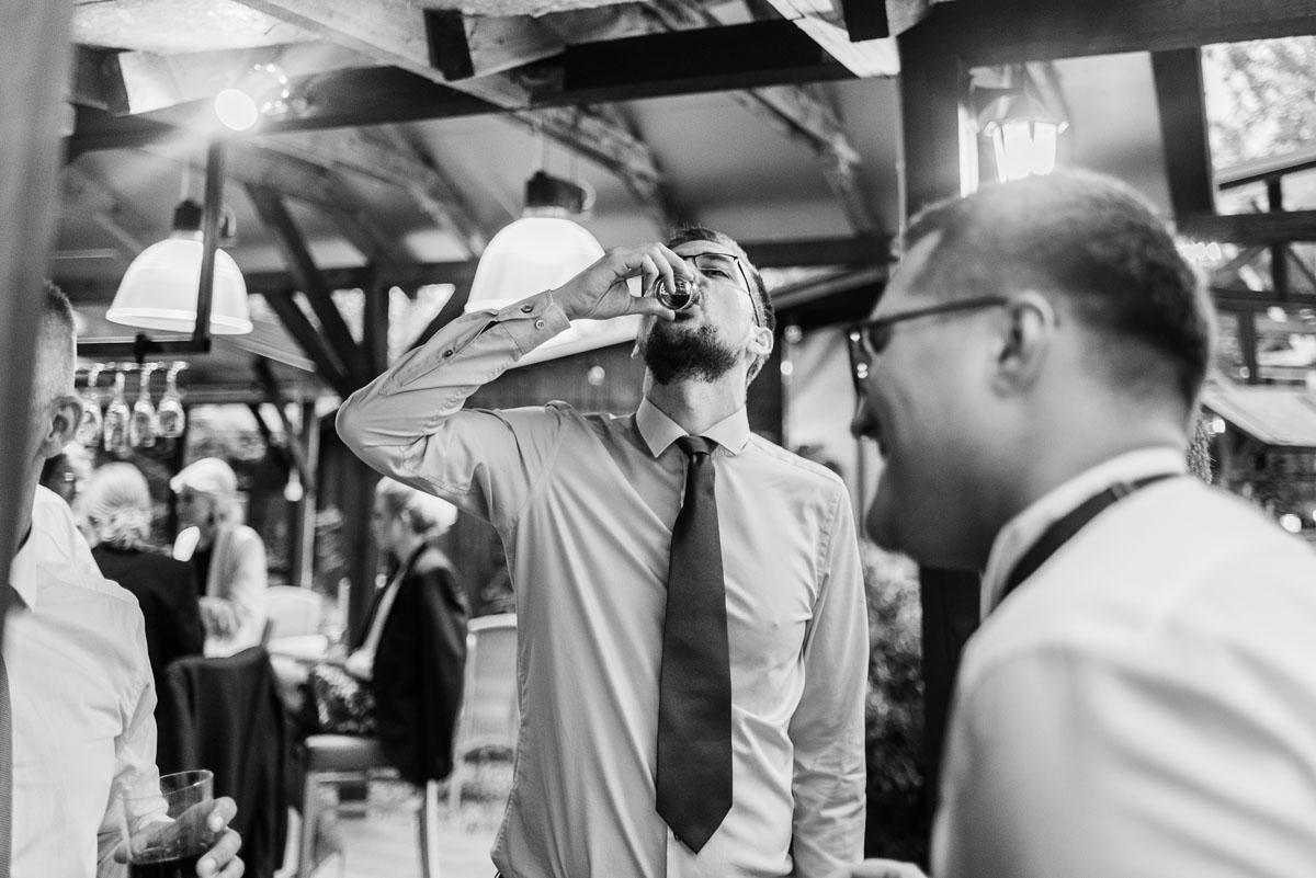 alternatywny-slub-wesele-w-stylu-slow-wedding-szklana-stodola-Bozenkowo-Swietliste-fotografujemy-emocje-Magda-Jakub-210