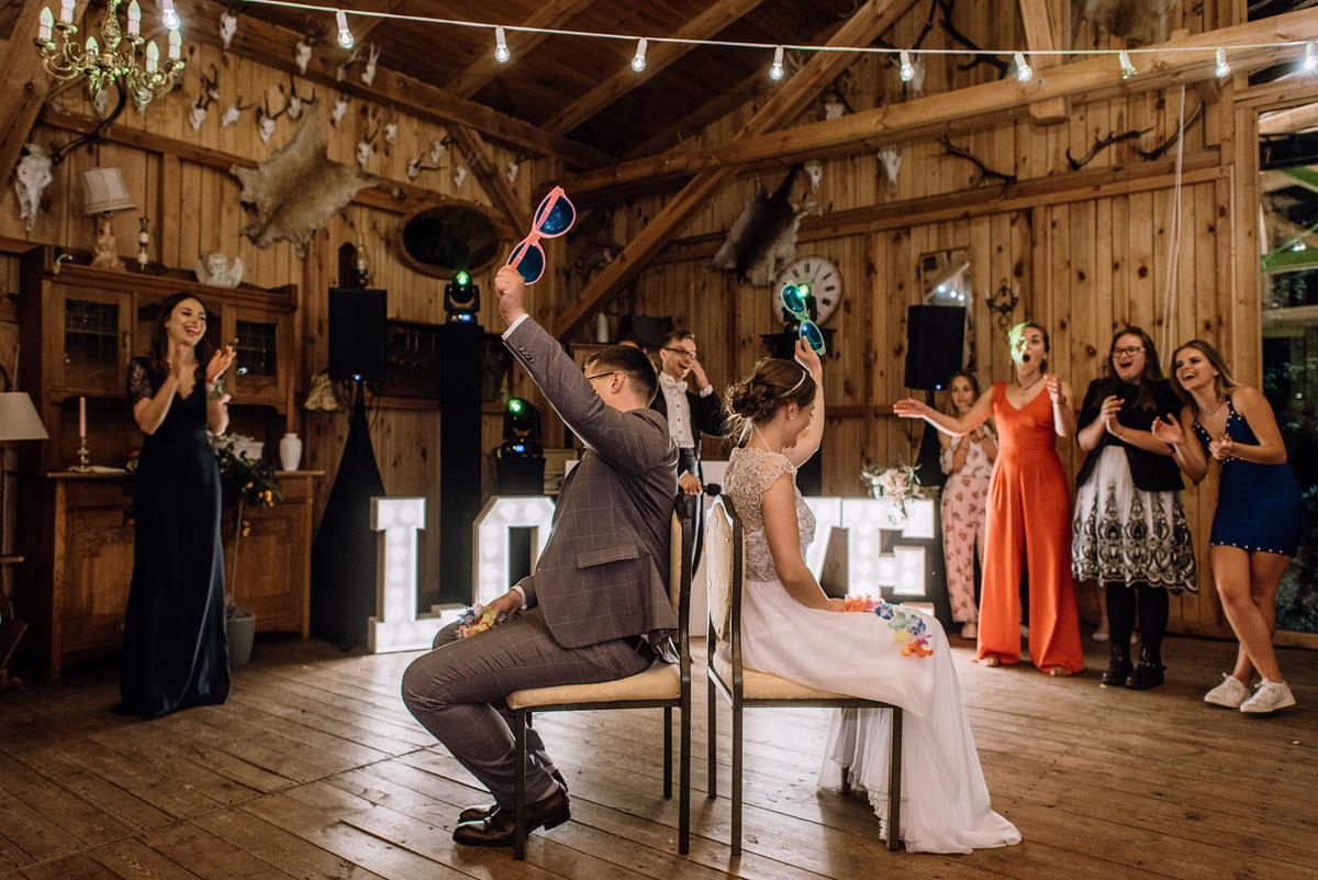 alternatywny-slub-wesele-w-stylu-slow-wedding-szklana-stodola-Bozenkowo-Swietliste-fotografujemy-emocje-Magda-Jakub-259
