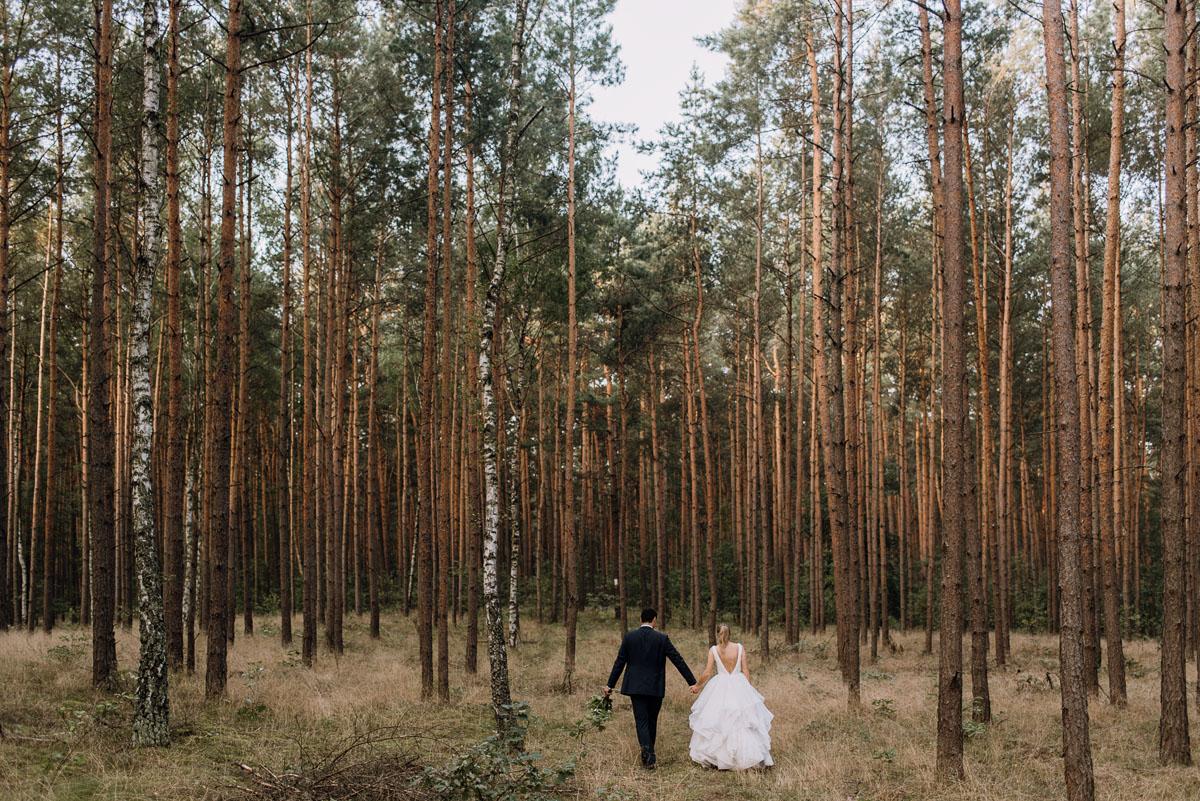 lesny-plener-slubny-Ewelina-Artur-Swietliste-fotografia-naturalna-Bydgoszcz-009