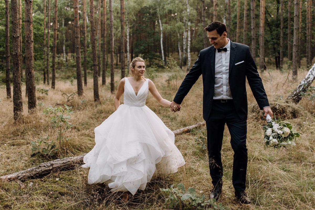 lesny-plener-slubny-Ewelina-Artur-Swietliste-fotografia-naturalna-Bydgoszcz-027