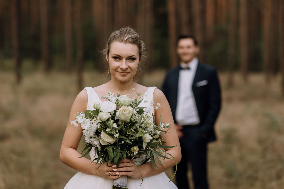 lesny-plener-slubny-Ewelina-Artur-Swietliste-fotografia-naturalna-Bydgoszcz-028