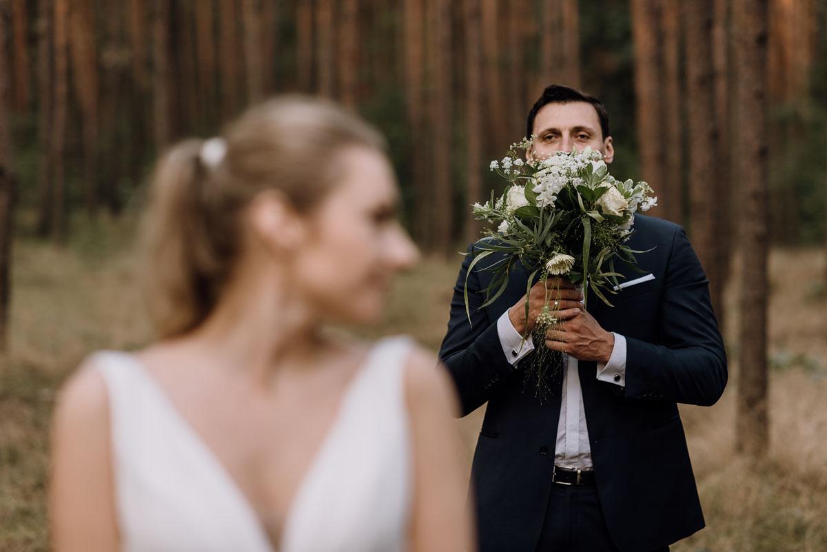 lesny-plener-slubny-Ewelina-Artur-Swietliste-fotografia-naturalna-Bydgoszcz-030