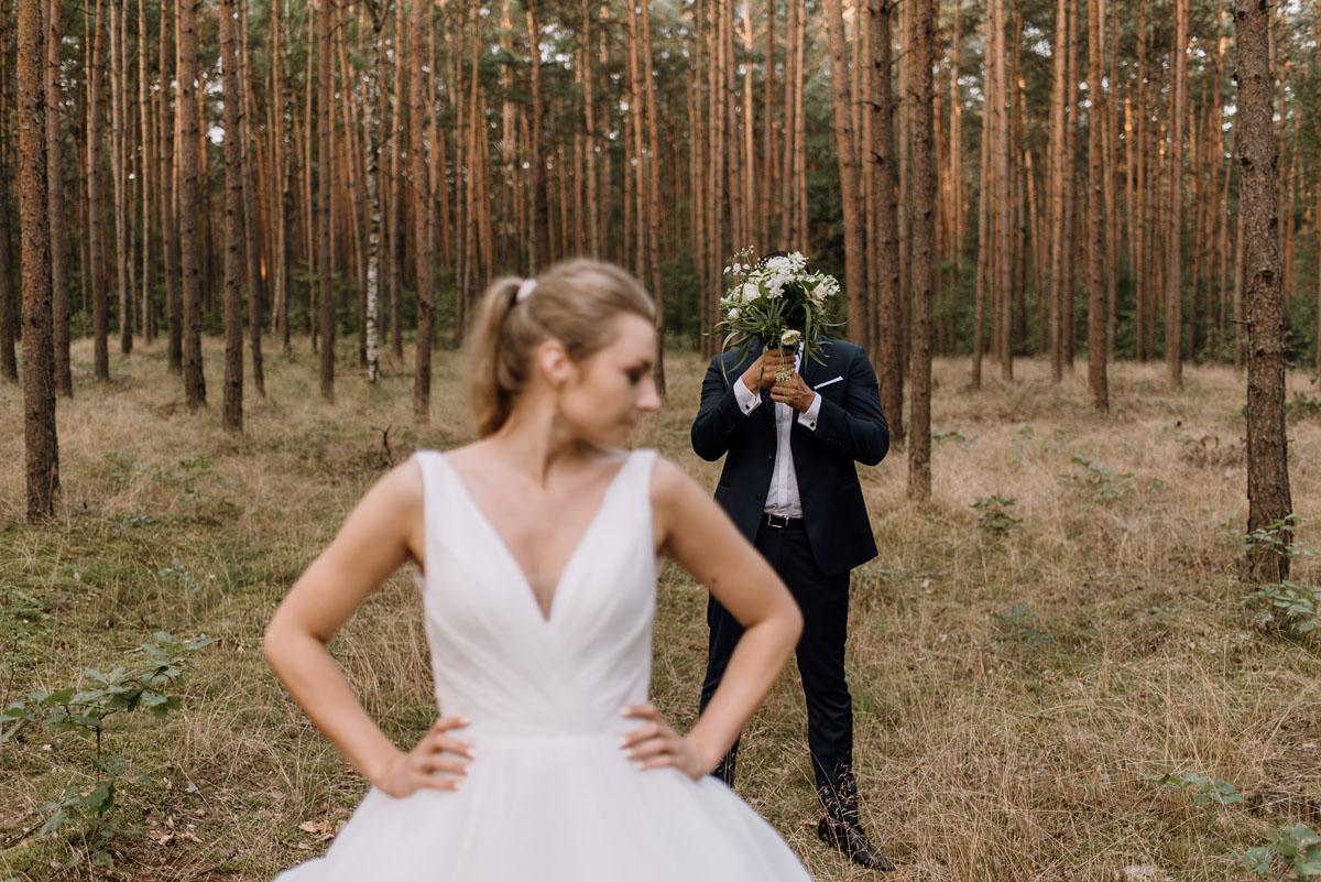 lesny-plener-slubny-Ewelina-Artur-Swietliste-fotografia-naturalna-Bydgoszcz-033