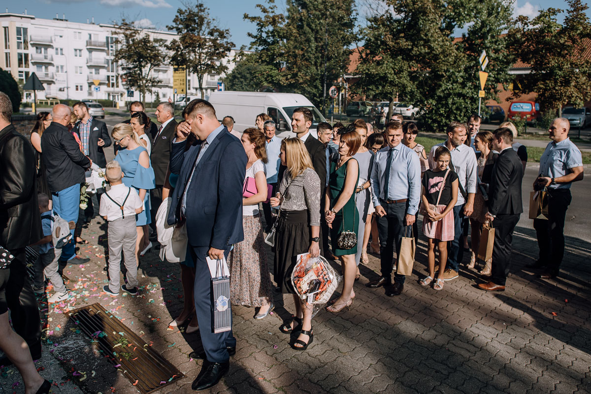 reportaz-slubny-dwor-Hulanka-kosciol-Chrystusa-Krola-Swietliste-fotografujemy-emocje-Bydgoszcz-Ewelina-Artur-088