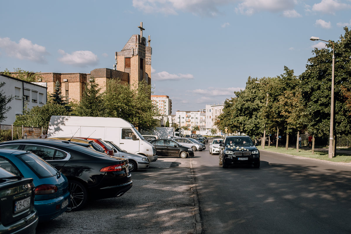 reportaz-slubny-dwor-Hulanka-kosciol-Chrystusa-Krola-Swietliste-fotografujemy-emocje-Bydgoszcz-Ewelina-Artur-098