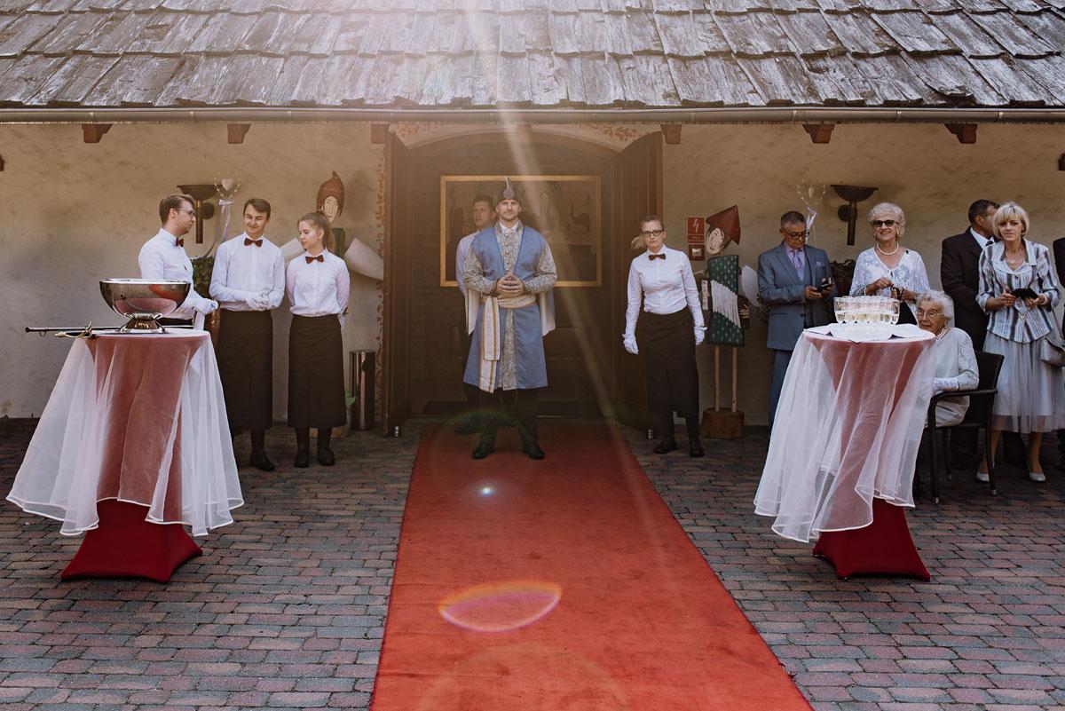 reportaz-slubny-dwor-Hulanka-kosciol-Chrystusa-Krola-Swietliste-fotografujemy-emocje-Bydgoszcz-Ewelina-Artur-099