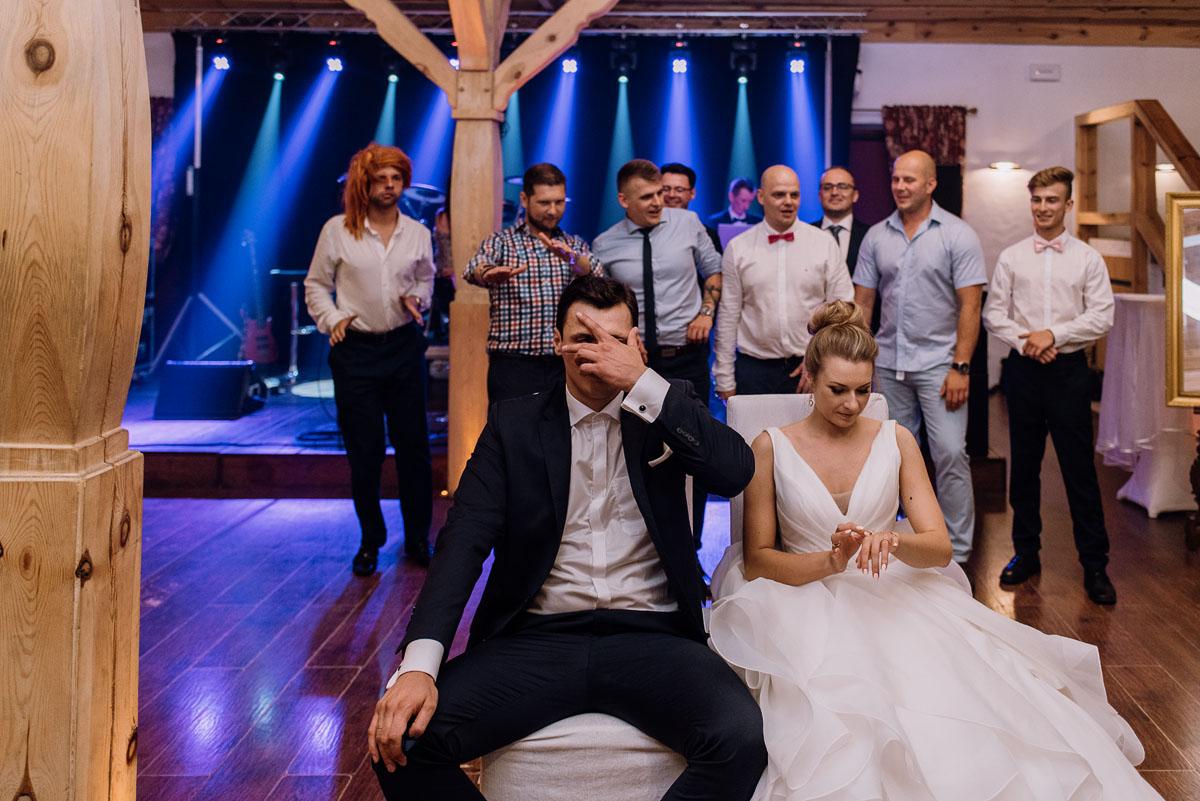 reportaz-slubny-dwor-Hulanka-kosciol-Chrystusa-Krola-Swietliste-fotografujemy-emocje-Bydgoszcz-Ewelina-Artur-188