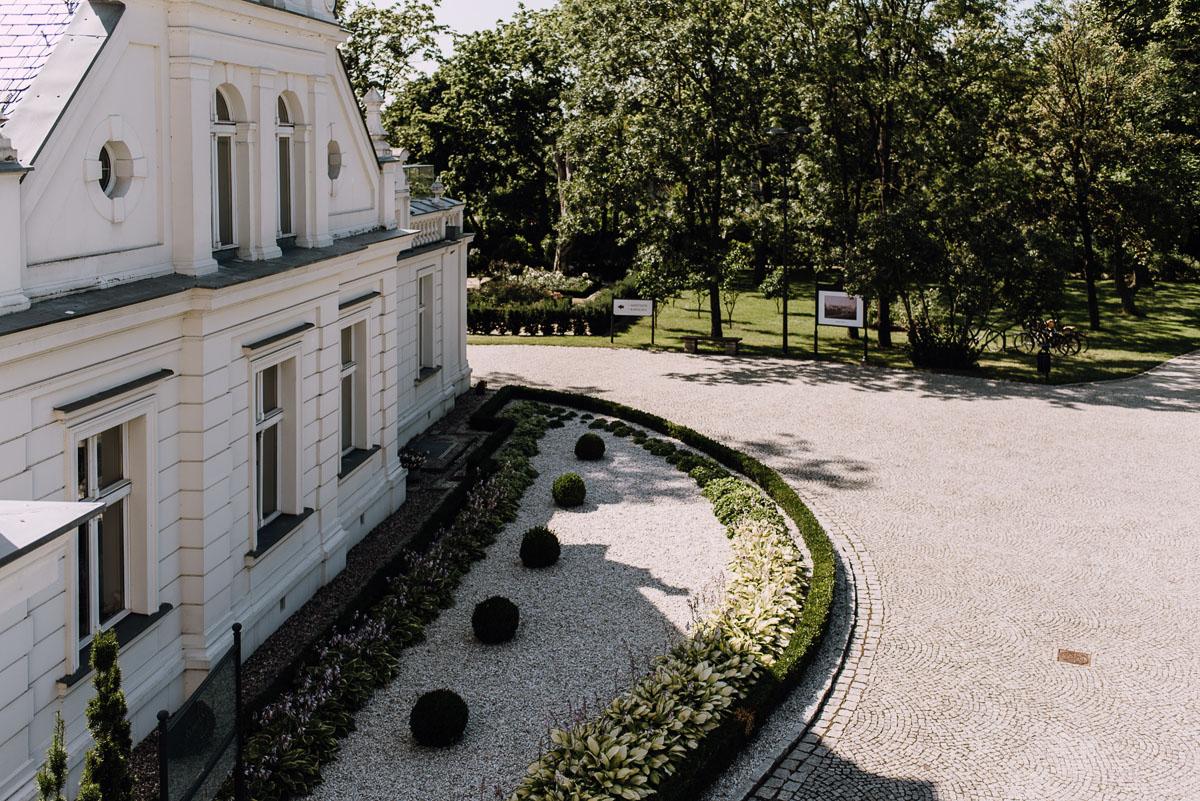 Palac-Romantyczny-Turzno-reportaz-slubny-Torun-slub-plenerowy-cywilny-Joanna-Milosz-017