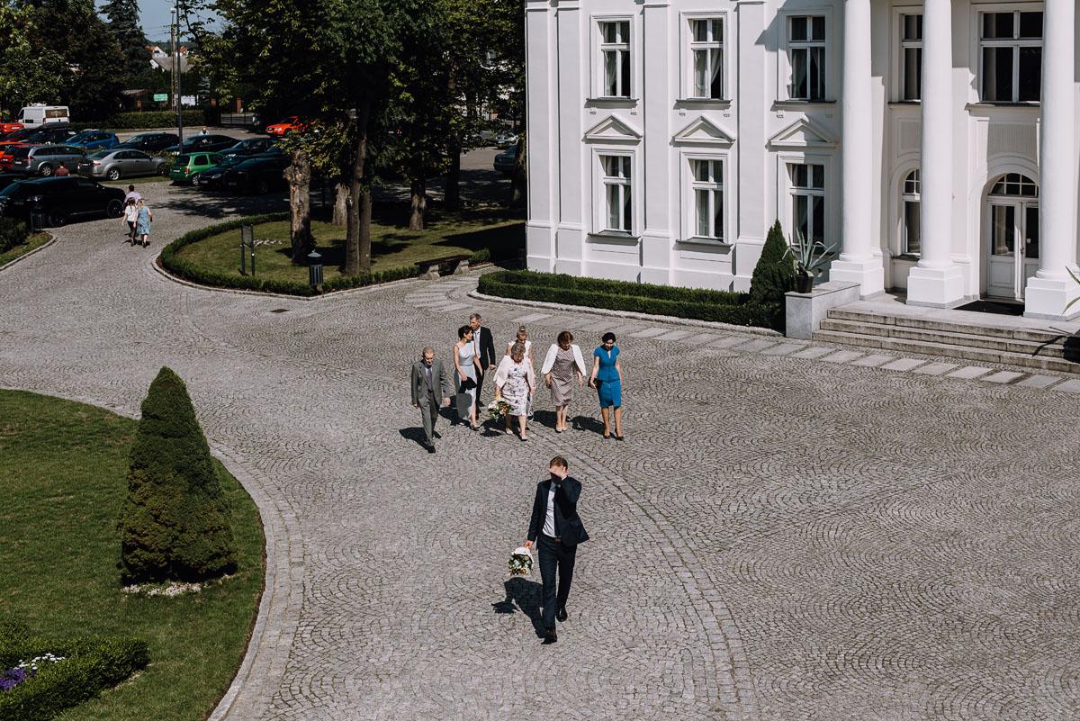Palac-Romantyczny-Turzno-reportaz-slubny-Torun-slub-plenerowy-cywilny-Joanna-Milosz-020