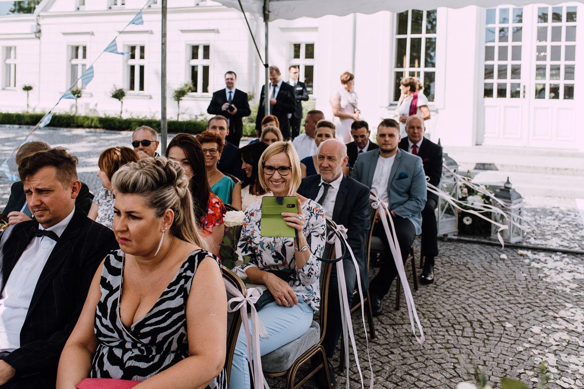 Palac-Romantyczny-Turzno-reportaz-slubny-Torun-slub-plenerowy-cywilny-Joanna-Milosz-045