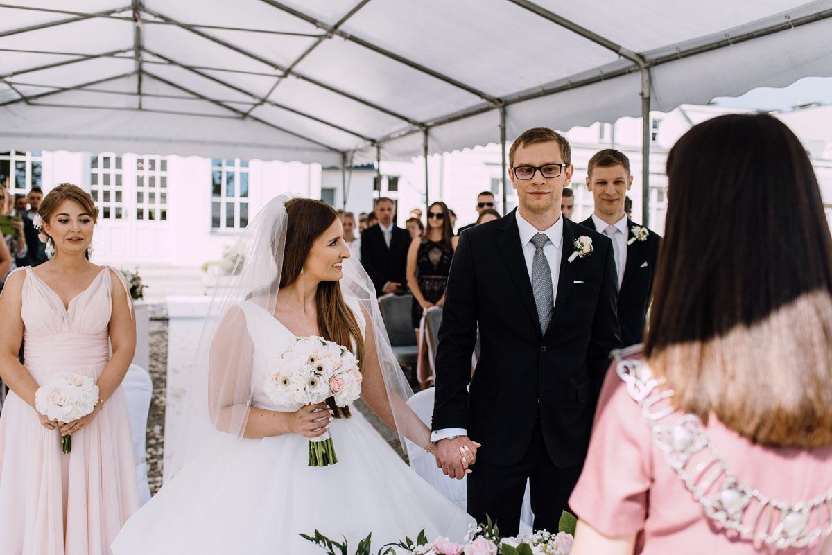 Palac-Romantyczny-Turzno-reportaz-slubny-Torun-slub-plenerowy-cywilny-Joanna-Milosz-058
