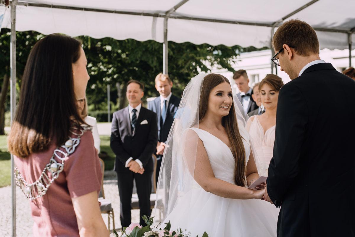 Palac-Romantyczny-Turzno-reportaz-slubny-Torun-slub-plenerowy-cywilny-Joanna-Milosz-070