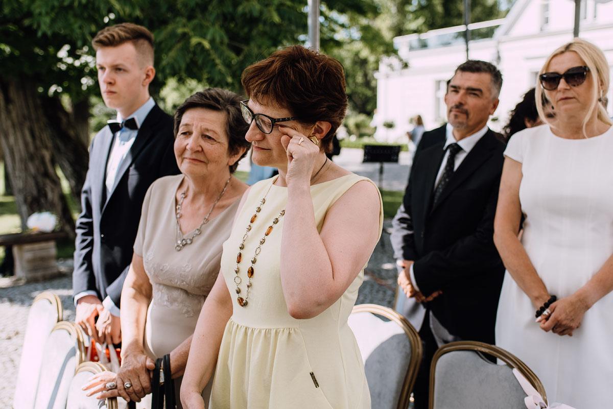 Palac-Romantyczny-Turzno-reportaz-slubny-Torun-slub-plenerowy-cywilny-Joanna-Milosz-071