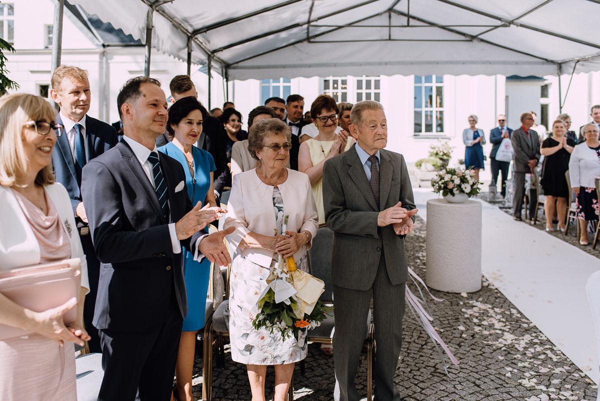 Palac-Romantyczny-Turzno-reportaz-slubny-Torun-slub-plenerowy-cywilny-Joanna-Milosz-078