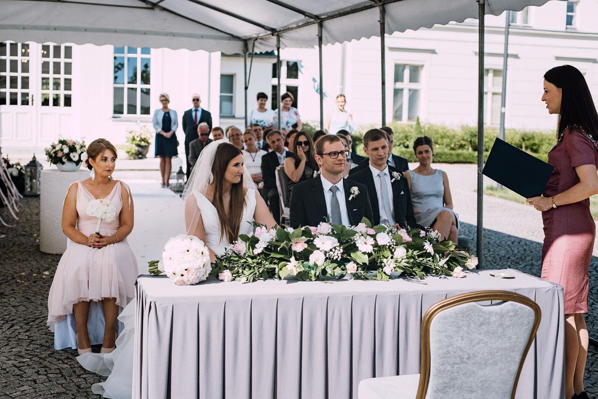 Palac-Romantyczny-Turzno-reportaz-slubny-Torun-slub-plenerowy-cywilny-Joanna-Milosz-083