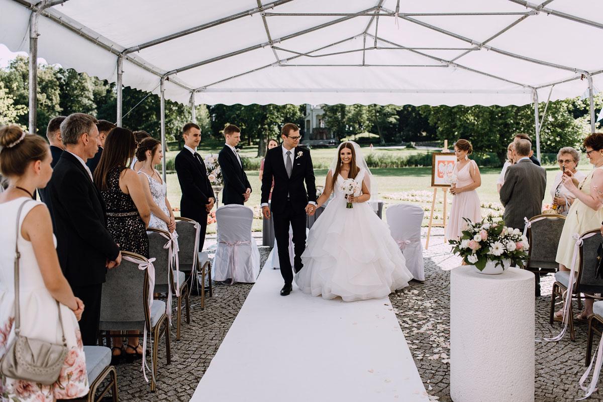Palac-Romantyczny-Turzno-reportaz-slubny-Torun-slub-plenerowy-cywilny-Joanna-Milosz-086