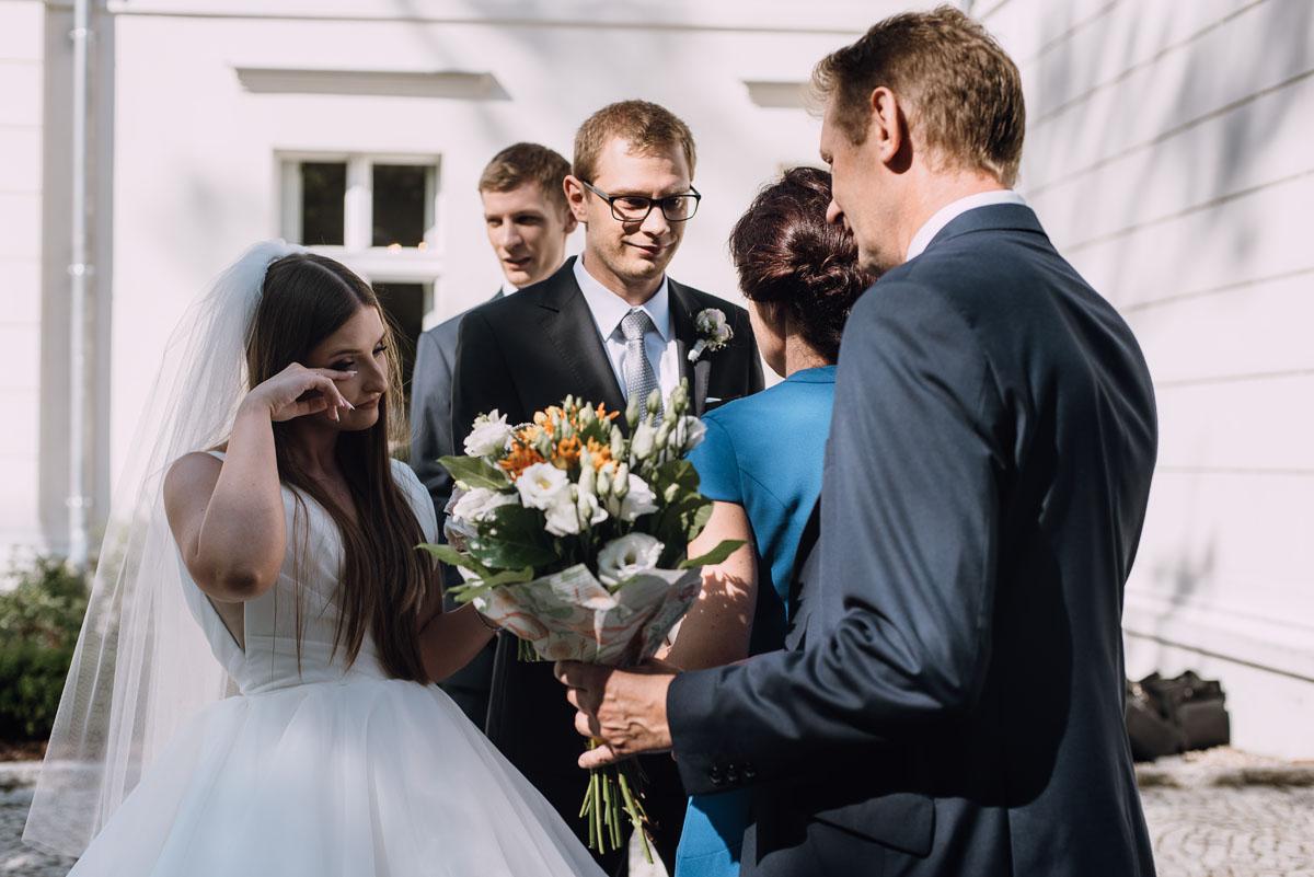 Palac-Romantyczny-Turzno-reportaz-slubny-Torun-slub-plenerowy-cywilny-Joanna-Milosz-090