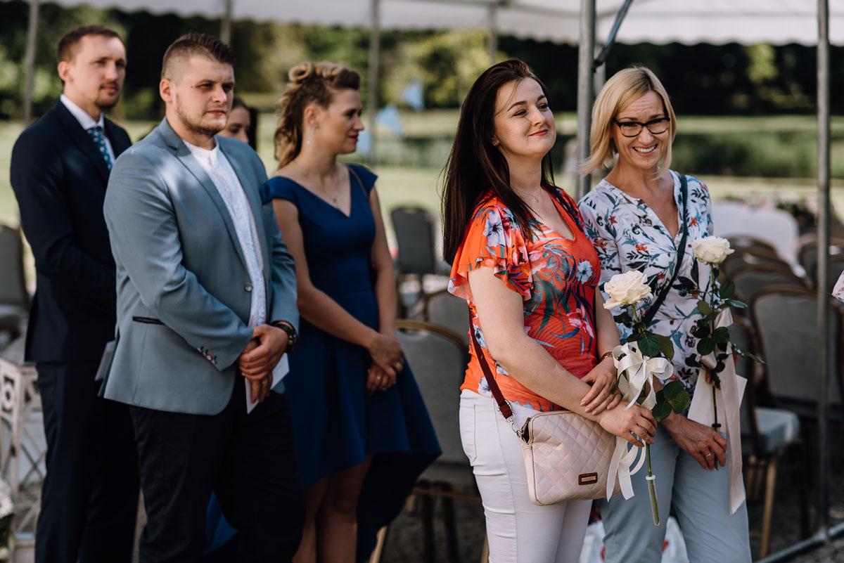 Palac-Romantyczny-Turzno-reportaz-slubny-Torun-slub-plenerowy-cywilny-Joanna-Milosz-095