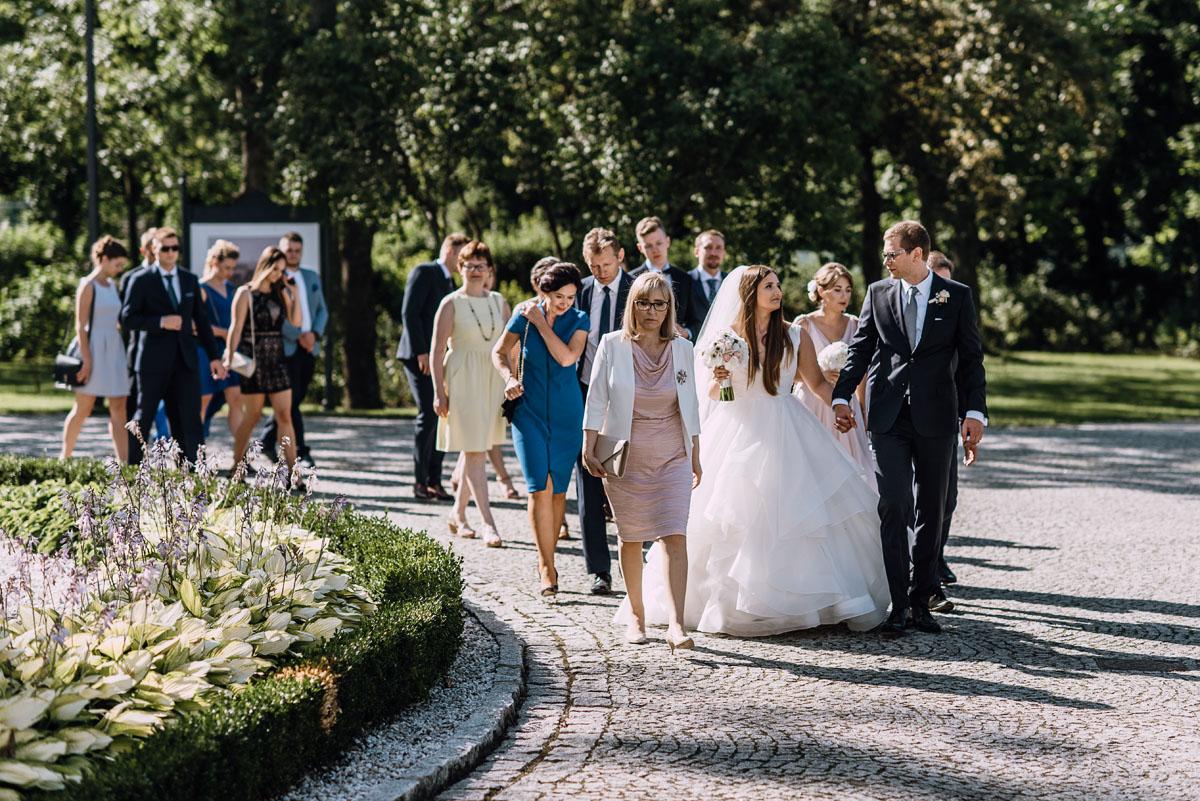Palac-Romantyczny-Turzno-reportaz-slubny-Torun-slub-plenerowy-cywilny-Joanna-Milosz-104