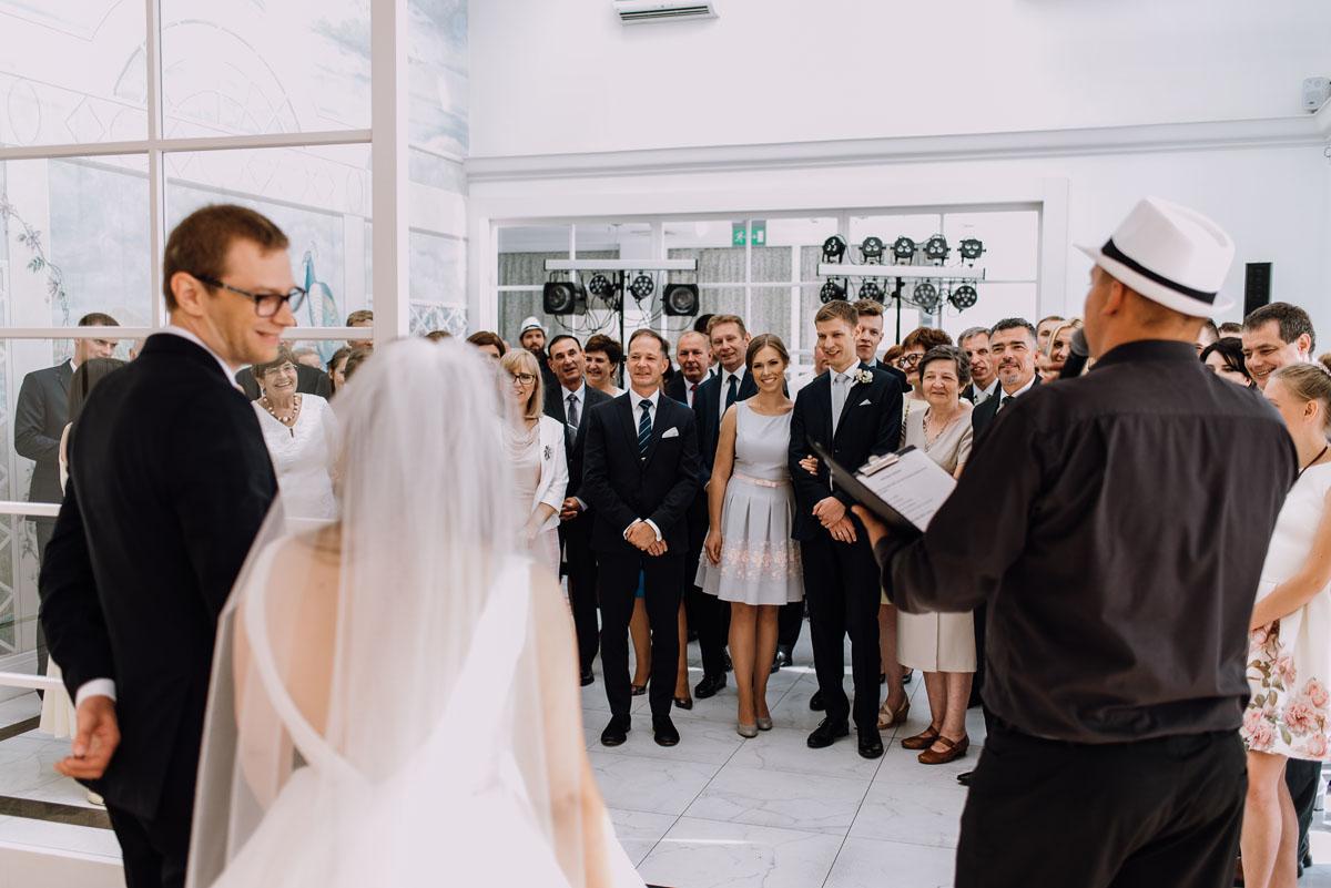 Palac-Romantyczny-Turzno-reportaz-slubny-Torun-slub-plenerowy-cywilny-Joanna-Milosz-126