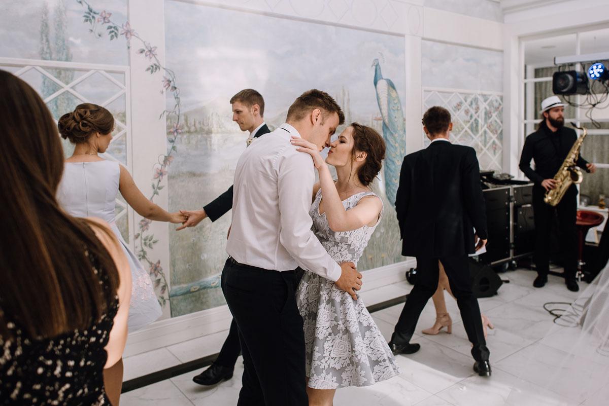 Palac-Romantyczny-Turzno-reportaz-slubny-Torun-slub-plenerowy-cywilny-Joanna-Milosz-139