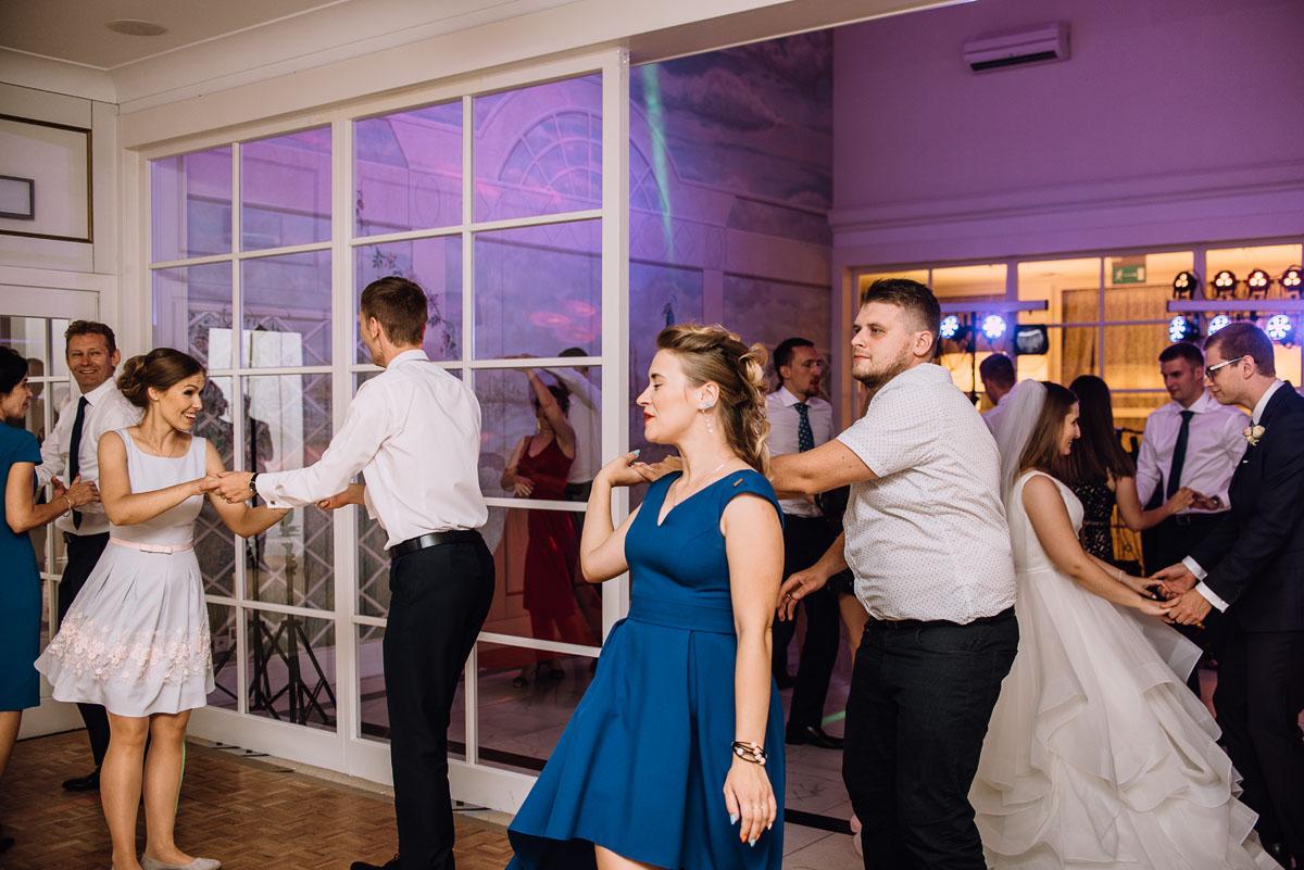 Palac-Romantyczny-Turzno-reportaz-slubny-Torun-slub-plenerowy-cywilny-Joanna-Milosz-175