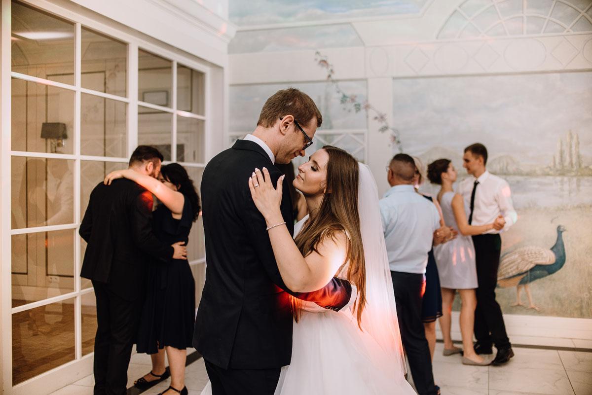 Palac-Romantyczny-Turzno-reportaz-slubny-Torun-slub-plenerowy-cywilny-Joanna-Milosz-190
