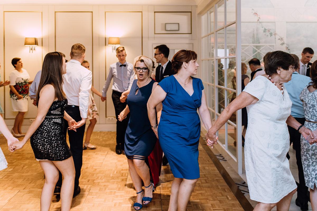 Palac-Romantyczny-Turzno-reportaz-slubny-Torun-slub-plenerowy-cywilny-Joanna-Milosz-197