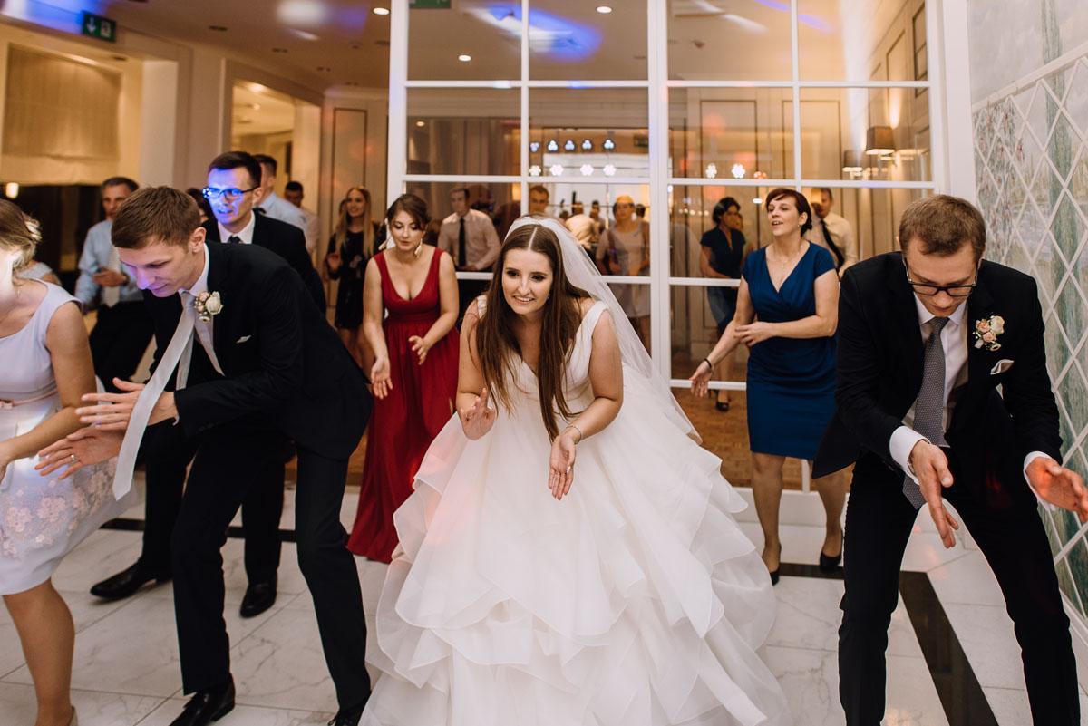 Palac-Romantyczny-Turzno-reportaz-slubny-Torun-slub-plenerowy-cywilny-Joanna-Milosz-209