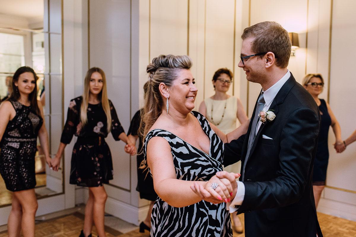 Palac-Romantyczny-Turzno-reportaz-slubny-Torun-slub-plenerowy-cywilny-Joanna-Milosz-213