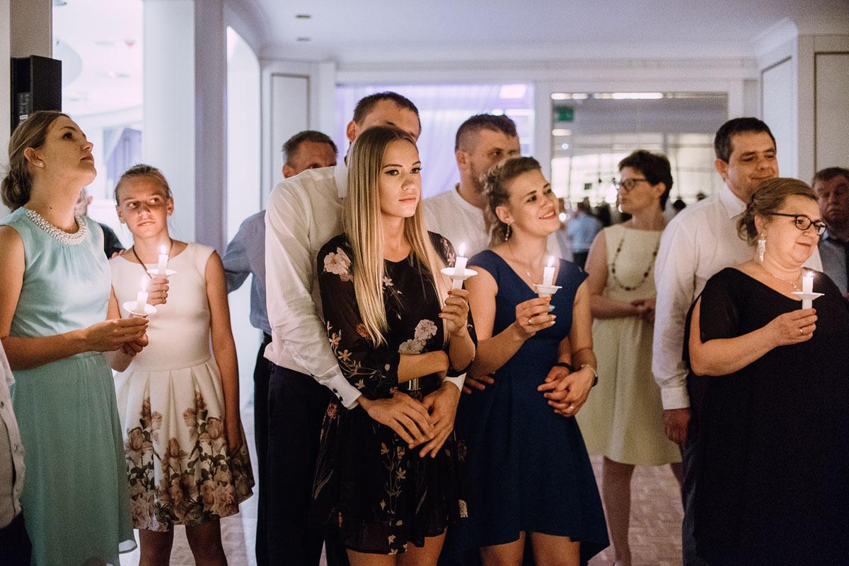 Palac-Romantyczny-Turzno-reportaz-slubny-Torun-slub-plenerowy-cywilny-Joanna-Milosz-239