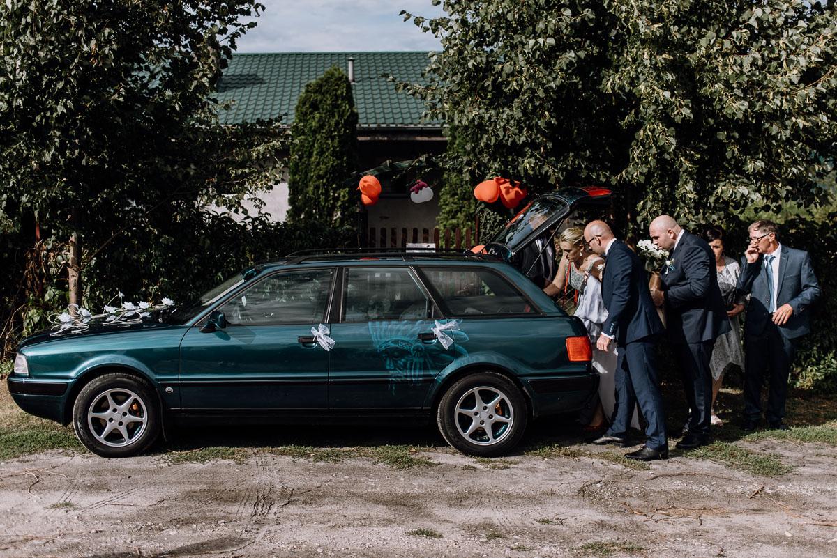 reportaz-slubny-Hotel-Autos-slub-parafia-Nawrocenia-sw-Pawla-Solec-Kujawski-Swietliste-Daniela-Maciej-032