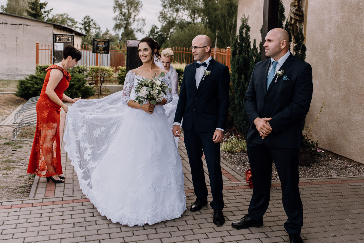 reportaz-slubny-Hotel-Autos-slub-parafia-Nawrocenia-sw-Pawla-Solec-Kujawski-Swietliste-Daniela-Maciej-036