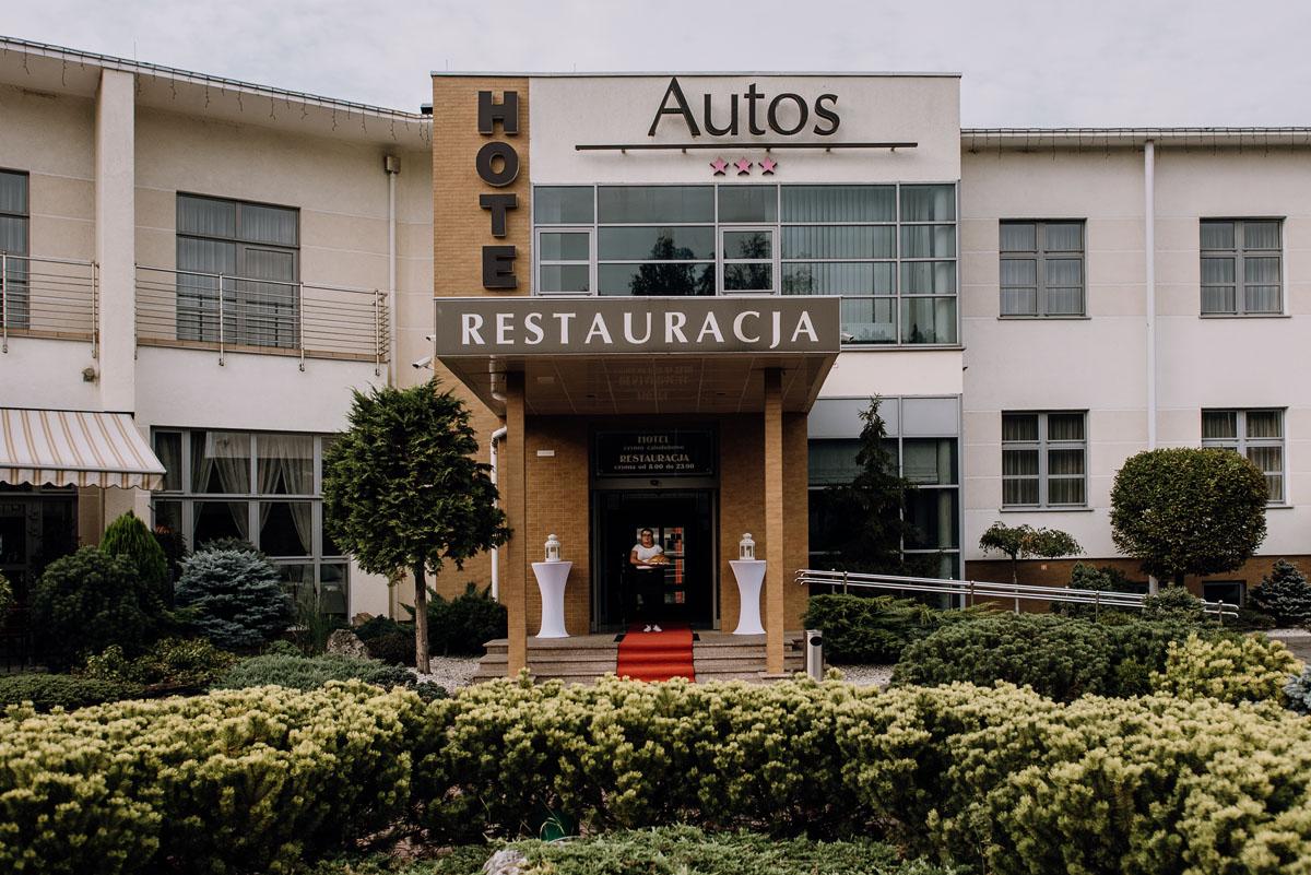 reportaz-slubny-Hotel-Autos-slub-parafia-Nawrocenia-sw-Pawla-Solec-Kujawski-Swietliste-Daniela-Maciej-097