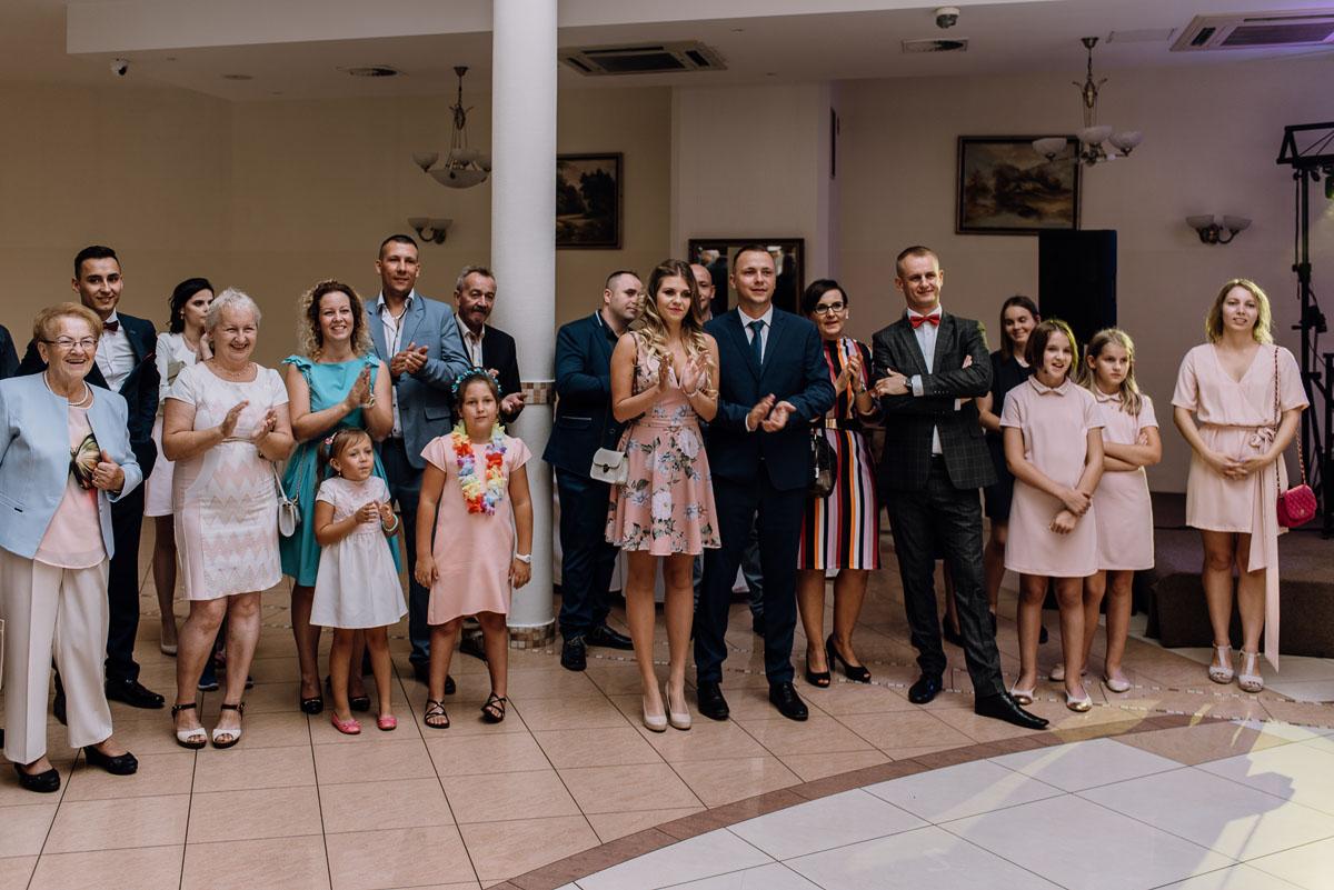 reportaz-slubny-Hotel-Autos-slub-parafia-Nawrocenia-sw-Pawla-Solec-Kujawski-Swietliste-Daniela-Maciej-116