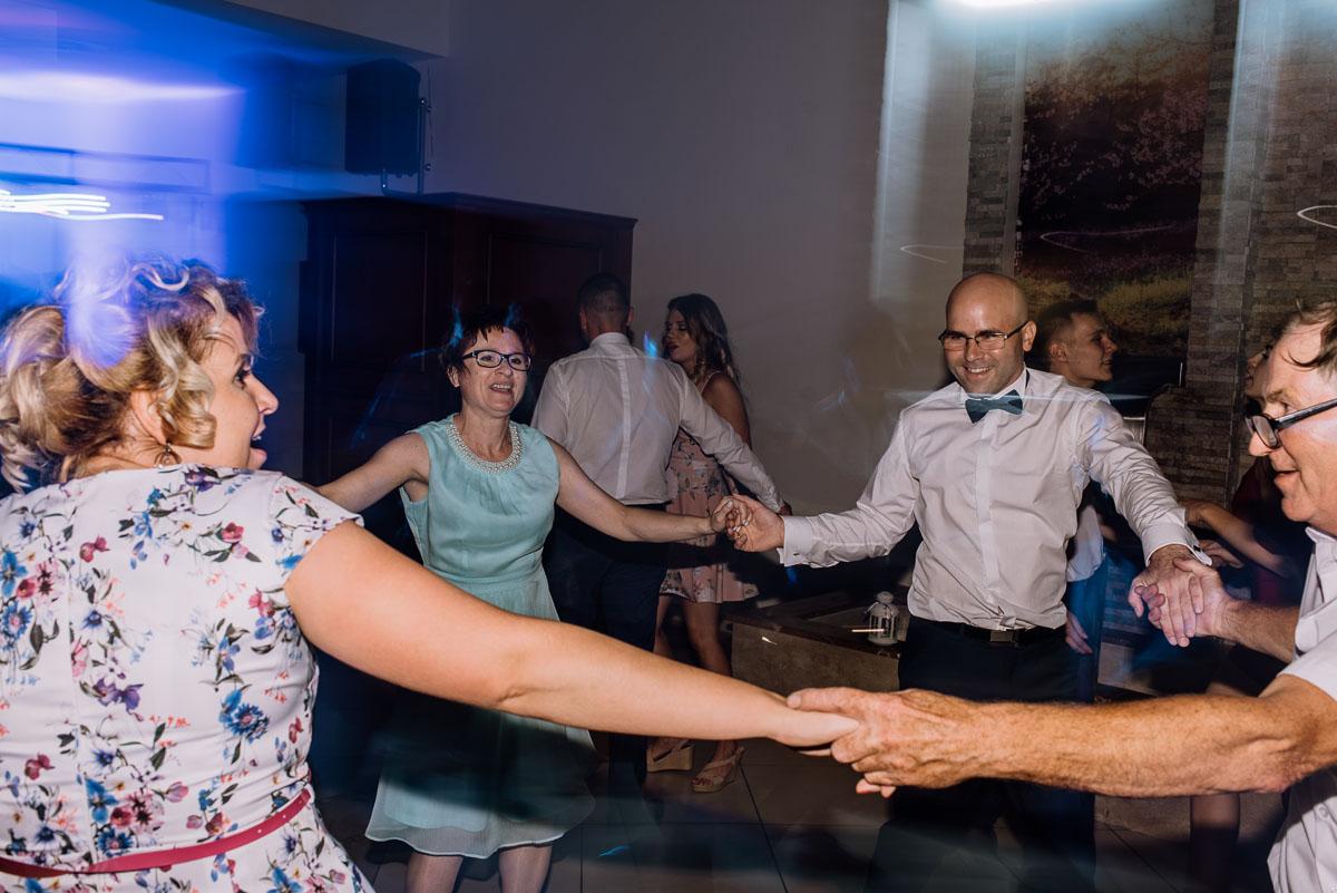 reportaz-slubny-Hotel-Autos-slub-parafia-Nawrocenia-sw-Pawla-Solec-Kujawski-Swietliste-Daniela-Maciej-162
