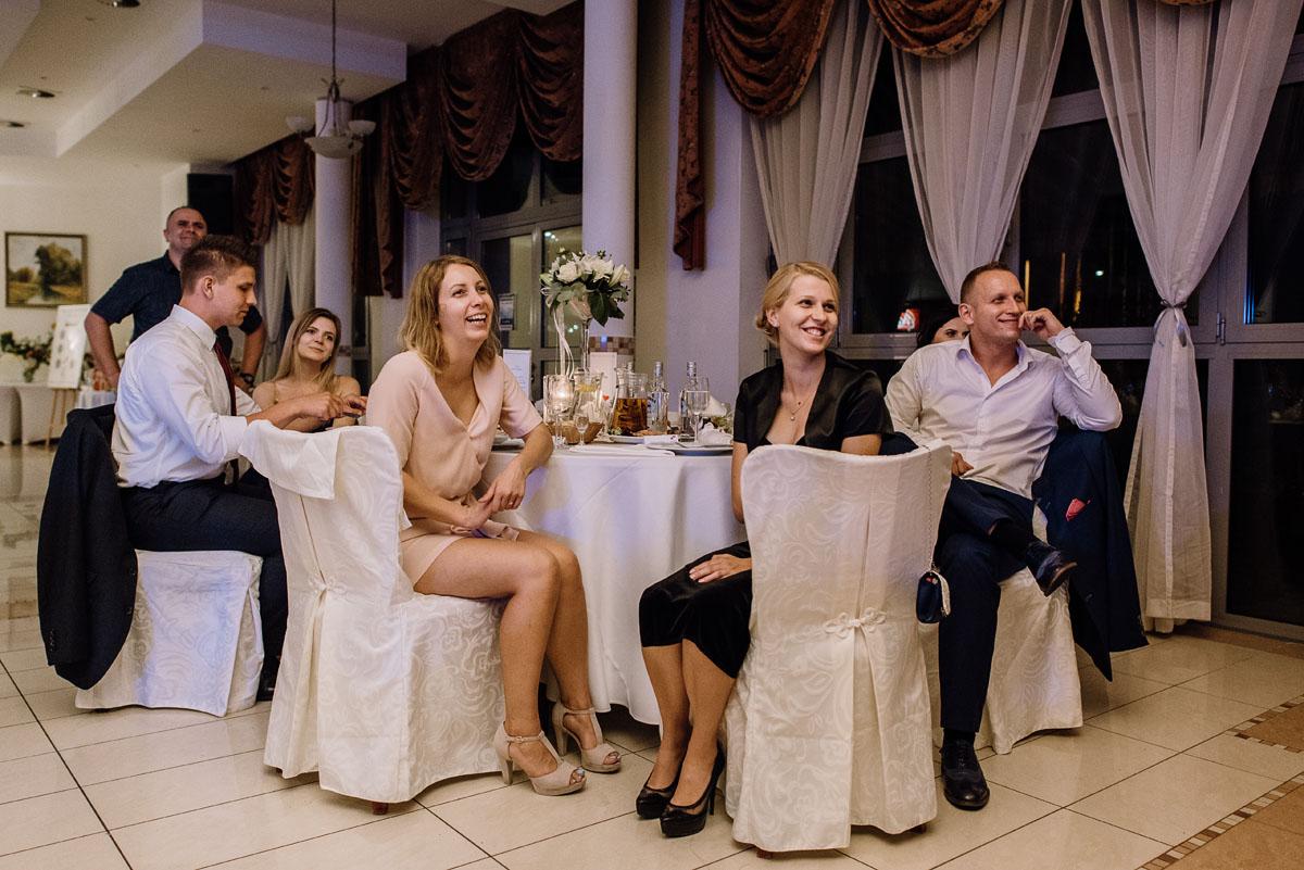 reportaz-slubny-Hotel-Autos-slub-parafia-Nawrocenia-sw-Pawla-Solec-Kujawski-Swietliste-Daniela-Maciej-167