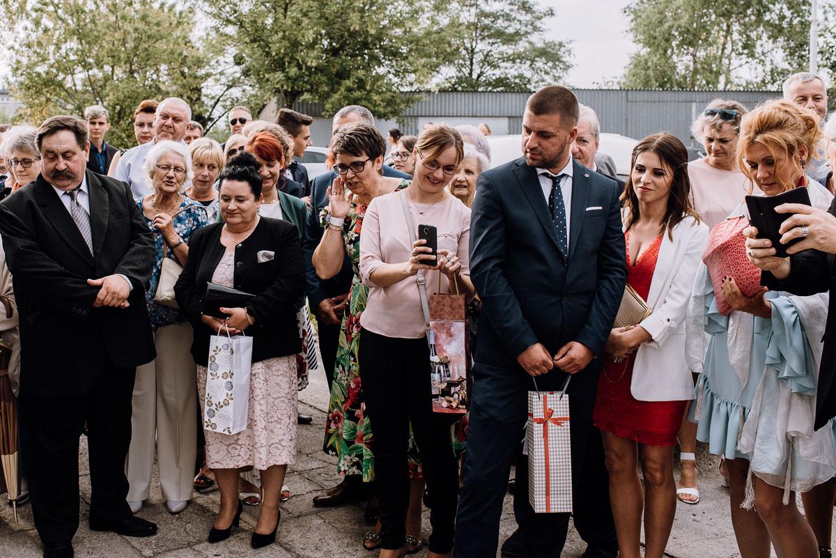 reportaz-slubny-parafia-NMP-Wspomozenia-Wiernych-Aleksandrow-Kujawski-wesele-hotel-Amazonka-Ciechocinek-Joanna-Adam-092