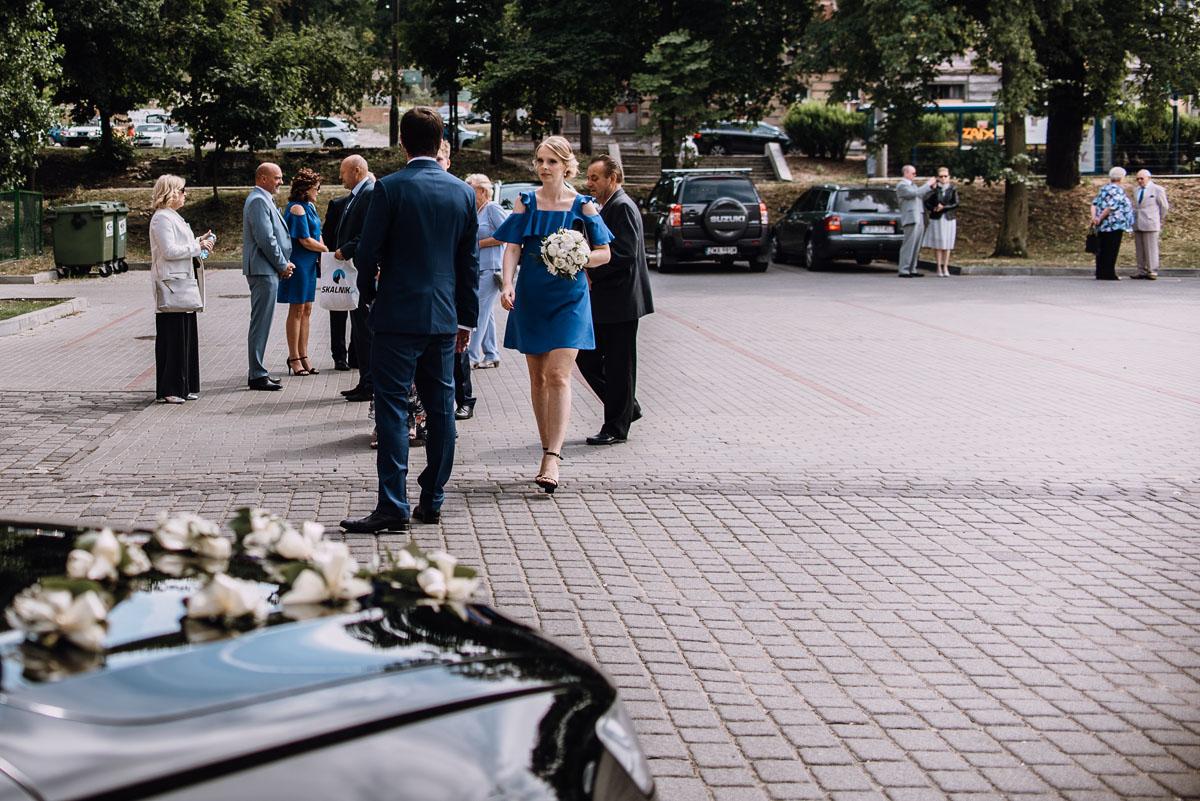 Swietliste-fotografia-slubna-Bydgoszcz-kosciol-Garnizonowy-dwor-Hulanka-Dominika-Bartosz-fotografujemy-emocje-039