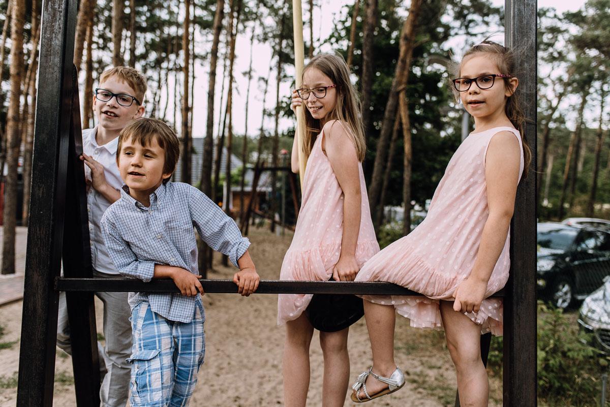 Swietliste-fotografia-slubna-Bydgoszcz-kosciol-Garnizonowy-dwor-Hulanka-Dominika-Bartosz-fotografujemy-emocje-172