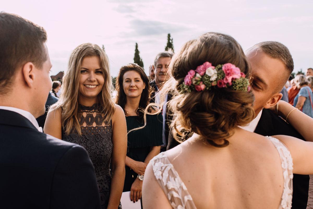 reportaz-slubny-parafia-NMP-Wspomozycielki-Wiernych-Niemcz-restauracja-Maestra-Opera-Nova-Bydgoszcz-Monika-Adrian-120