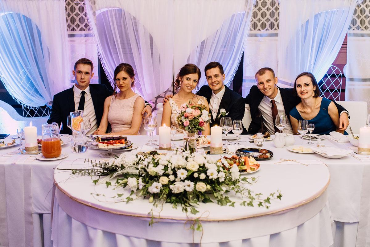 reportaz-slubny-parafia-NMP-Wspomozycielki-Wiernych-Niemcz-restauracja-Maestra-Opera-Nova-Bydgoszcz-Monika-Adrian-249