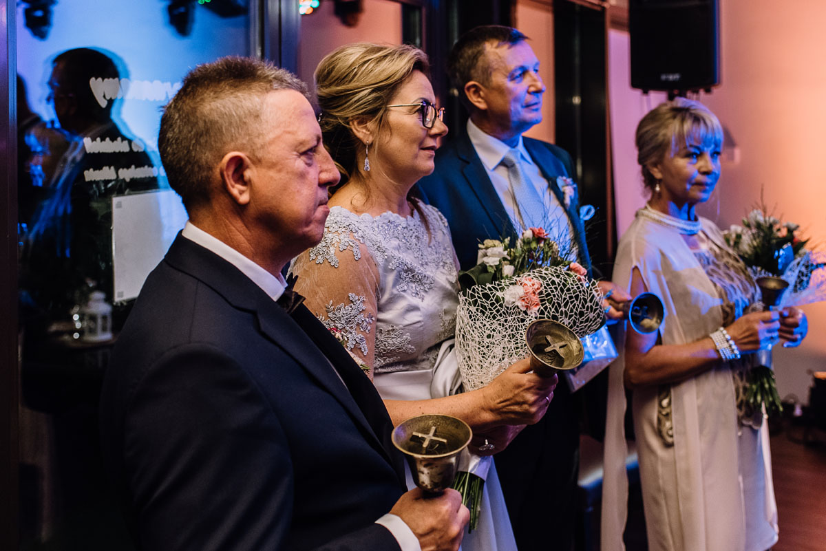 reportaz-slubny-parafia-NMP-Wspomozycielki-Wiernych-Niemcz-restauracja-Maestra-Opera-Nova-Bydgoszcz-Monika-Adrian-265