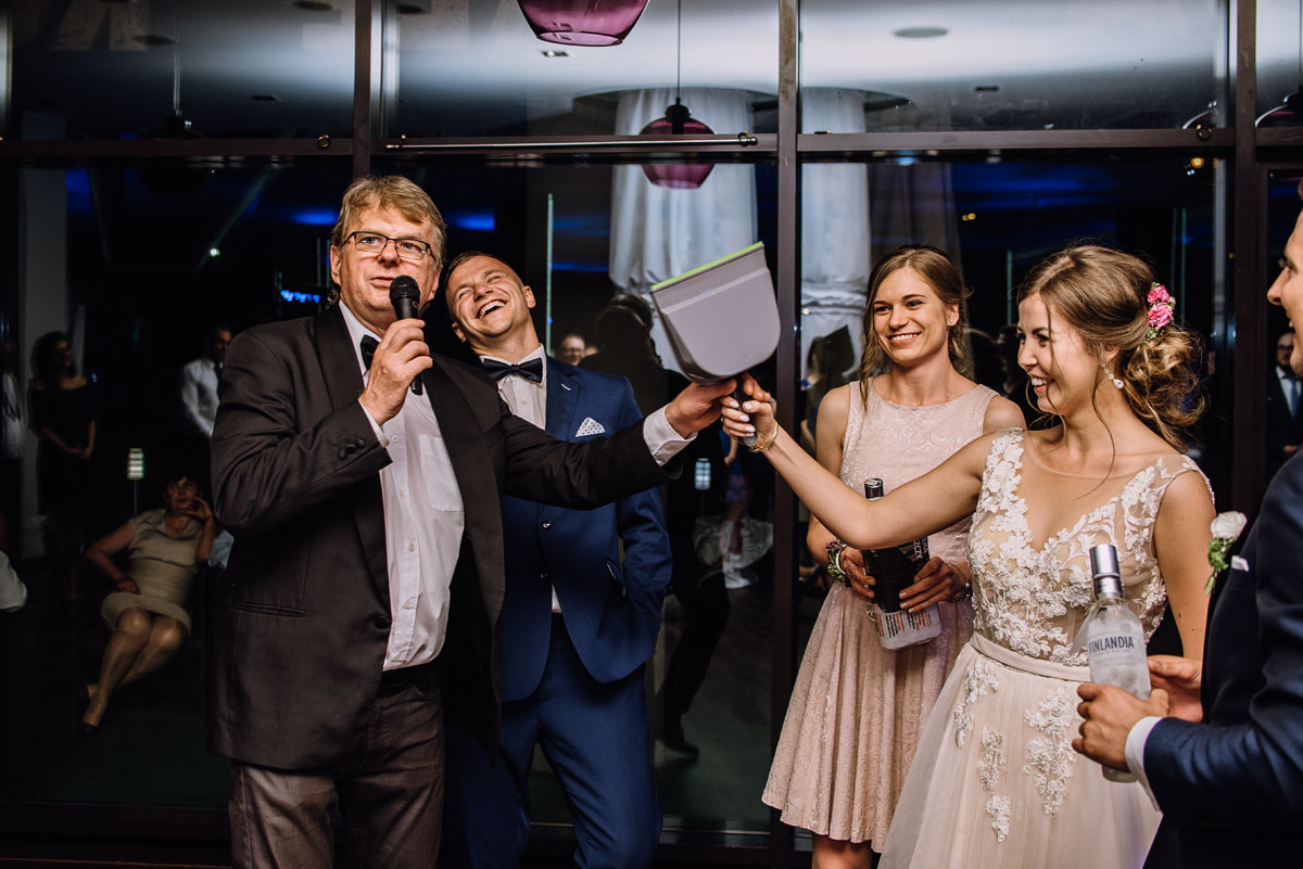 reportaz-slubny-parafia-NMP-Wspomozycielki-Wiernych-Niemcz-restauracja-Maestra-Opera-Nova-Bydgoszcz-Monika-Adrian-278