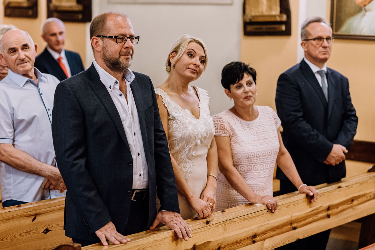 fotografia-slubna-Bydgoszcz-slub-kosciol-Matki-Boskiej-Szkaplerznej-wesele-Stary-Mlyn-Wierzchucice-Klaudia-Michal-063