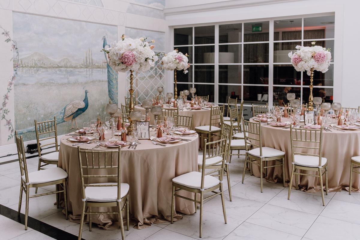 slub-plenerowy-w-kolorze-rozowego-szampana-natalia-i-kazimierz-palac-romantyczny-turzno-swietliste-fotografujemy-emocje-007