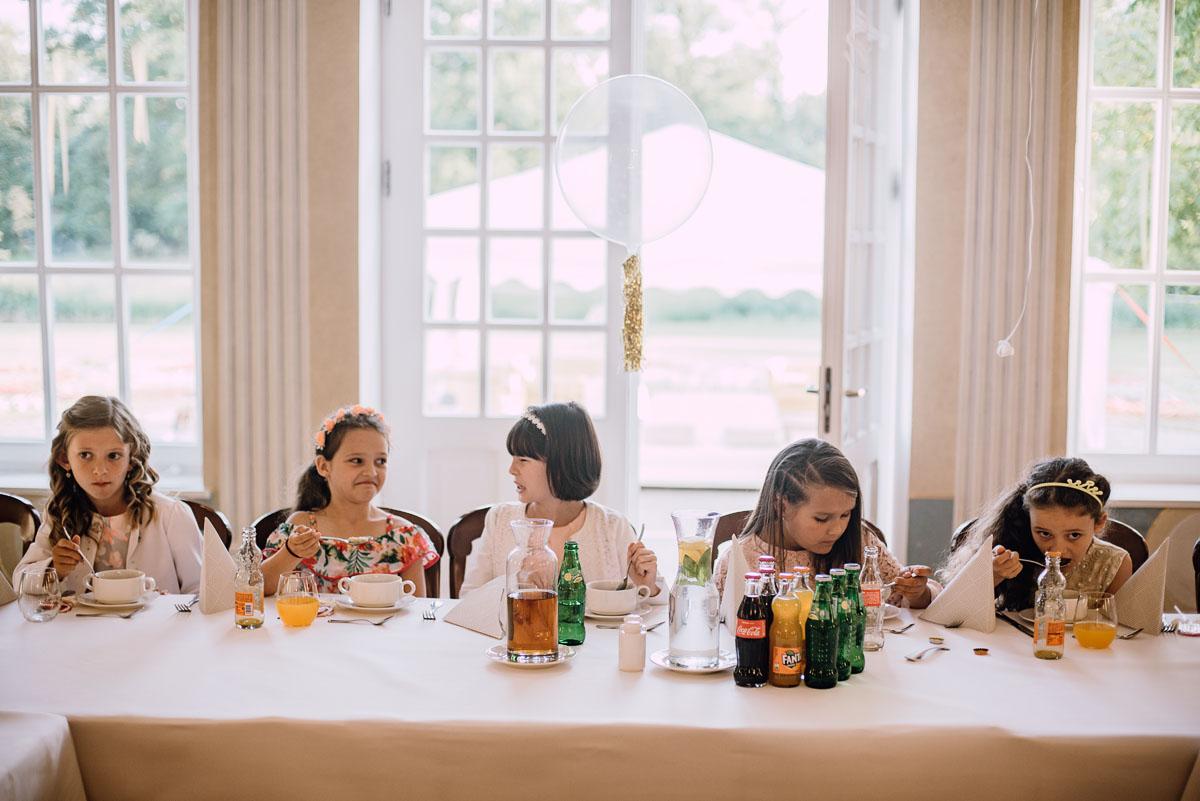 slub-plenerowy-w-kolorze-rozowego-szampana-natalia-i-kazimierz-palac-romantyczny-turzno-swietliste-fotografujemy-emocje-184