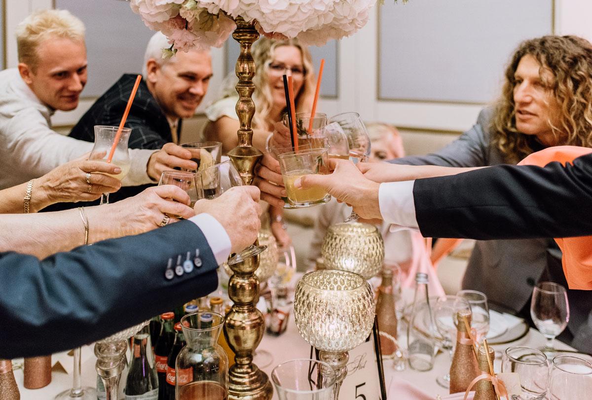 slub-plenerowy-w-kolorze-rozowego-szampana-natalia-i-kazimierz-palac-romantyczny-turzno-swietliste-fotografujemy-emocje-224