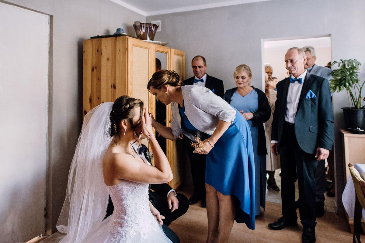 Reportaz-slubny-Bydgoszcz-slub-Bazylika-Wniebowziecia-NMP-Koronowo-wesele-Hotel-Spa-Evita-Tlen-Swietliste-fotografujemy-emocje-Magda-Kamil-043