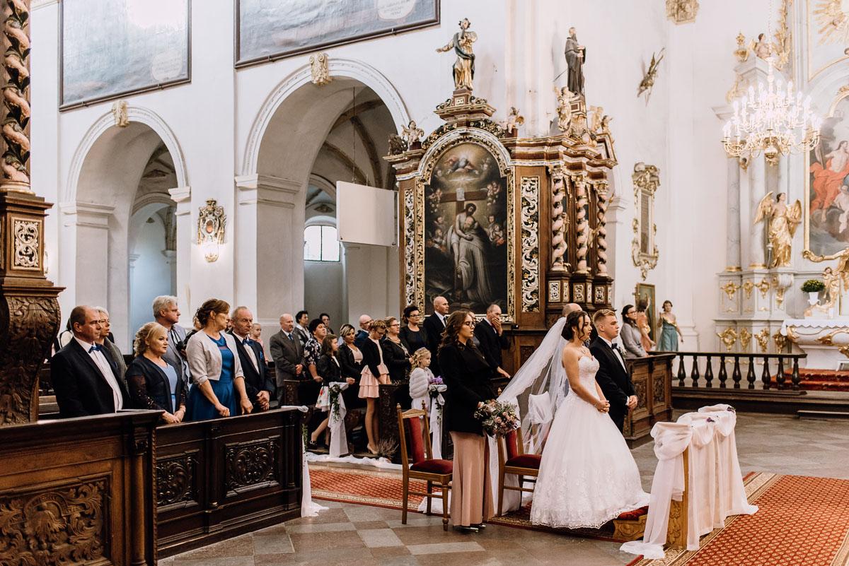 Reportaz-slubny-Bydgoszcz-slub-Bazylika-Wniebowziecia-NMP-Koronowo-wesele-Hotel-Spa-Evita-Tlen-Swietliste-fotografujemy-emocje-Magda-Kamil-064